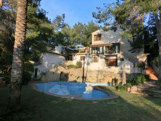 House en Rocafort. Casa con 6 habitaciones con parking y piscina