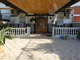 House en Barranquet-El Salvador. Casa con 5 habitaciones con parking, calefacción y aire acondici