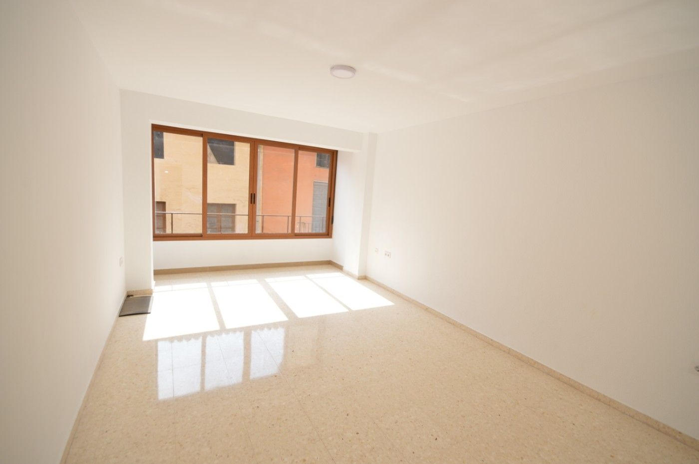 Rent Flat in Xàtiva. Piso sin muebles