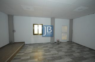 Alquiler Local Comercial  Honorato juan. Local con habitaciones/salas