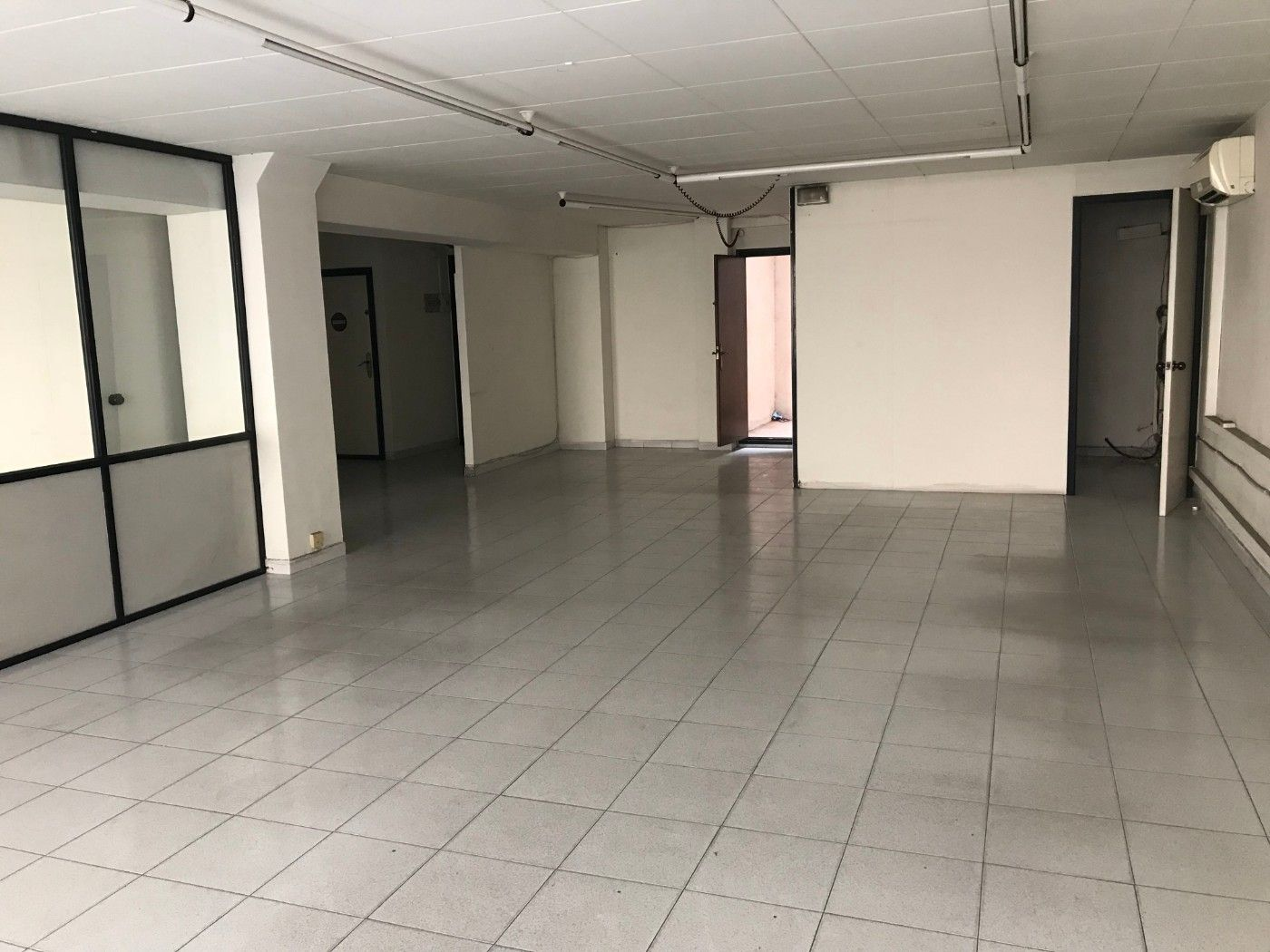 Oficina en Centre-Barri Vell. 100 m2, parking inclòs