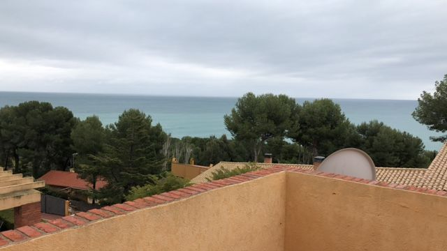 Semi detached house in Carrer foixarda (de la), 9. ¡con vistas al mar!