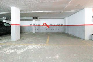 Parking coche en Carrer Calabria