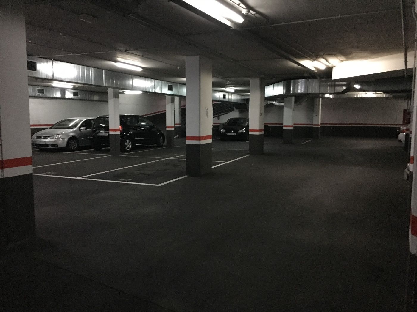 Location Parking voiture  Carrer enginyer. ,al centre,
