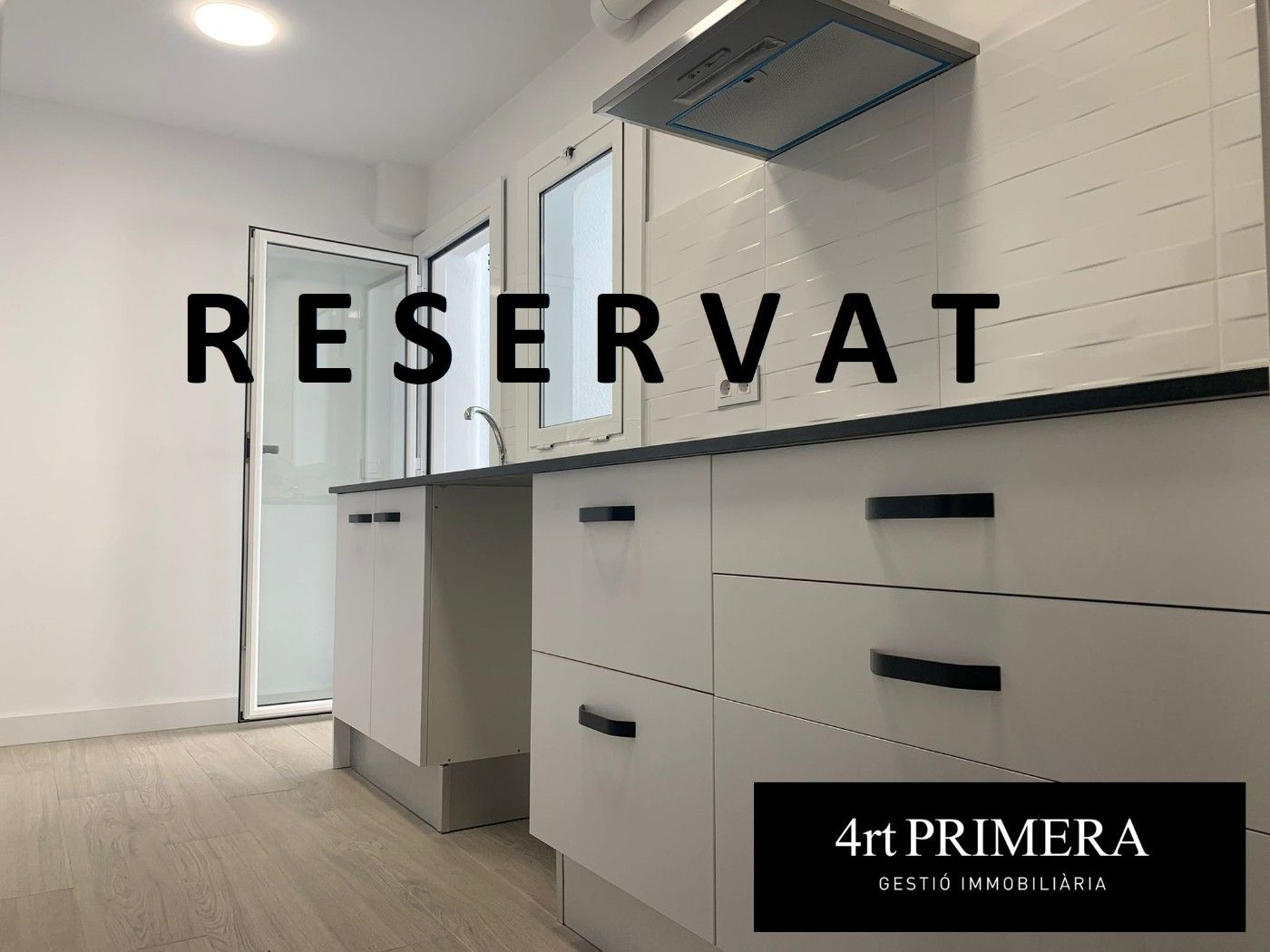 Rent Flat in Carrer camprodon, 17. , totalment reformat,