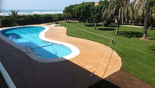 Rent Apartment  Carrer tellinaires. Gava mar, a pie de playa