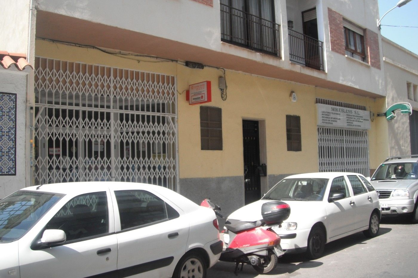 Local Comercial  Calle villafames. Oportunidad. amplio local