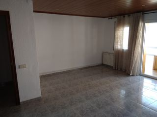Rent Flat in Can bassa. Piso soleado y alto