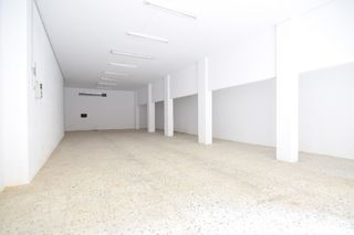 Alquiler Local Comercial en Centro. Local en lloguer
