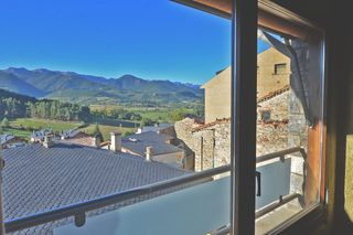Semi detached house in Bellver de Cerdanya. O.n en el centro de bellver