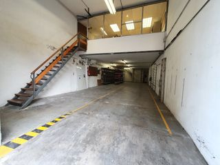 Local industrial en Carrer Narcis Monturiol, 7
