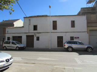 Semi detached house in Calle valencia, 12. Venta casa pueblo en picanya