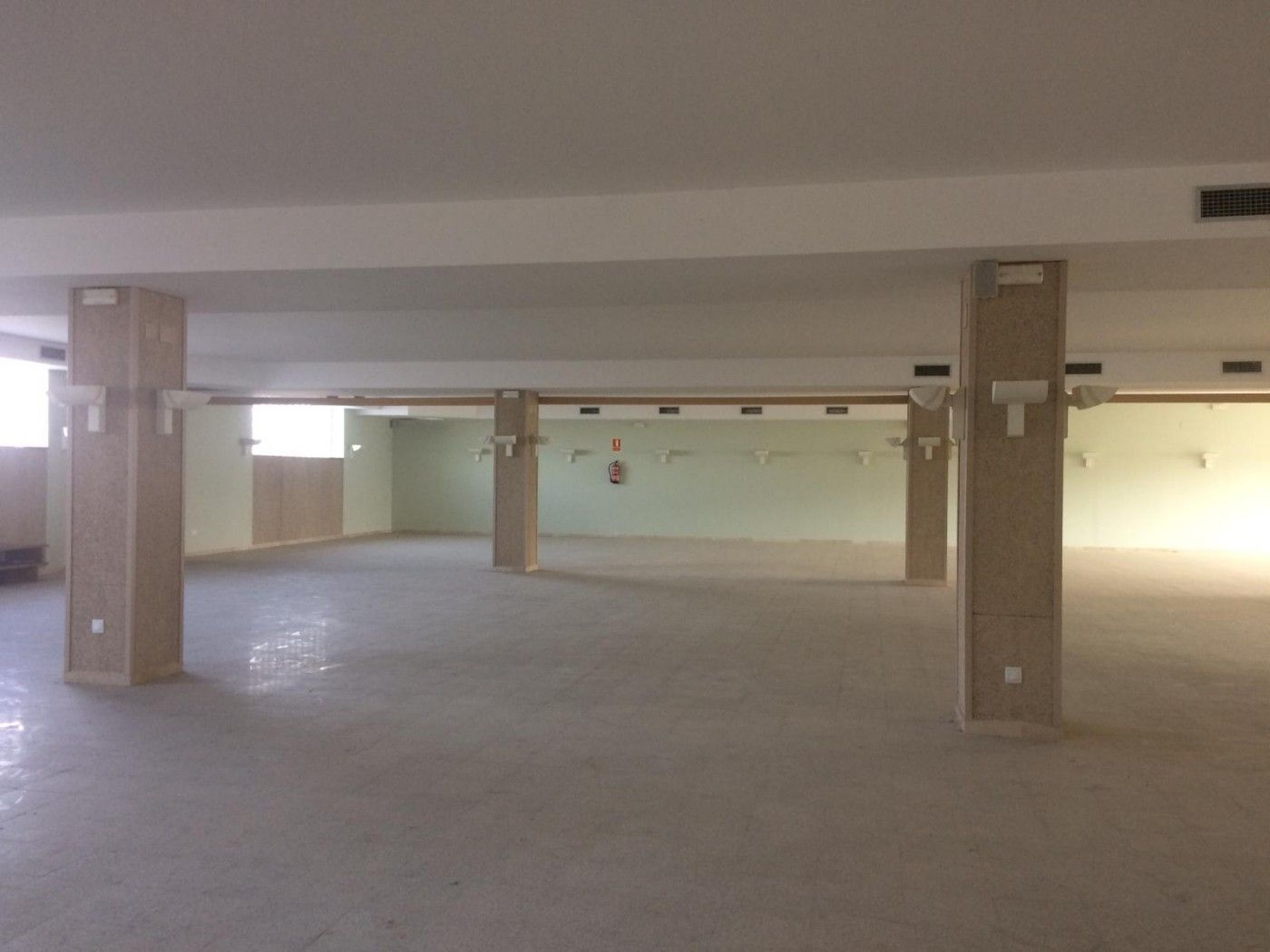 Rent Business premise  Carrer timo (del)