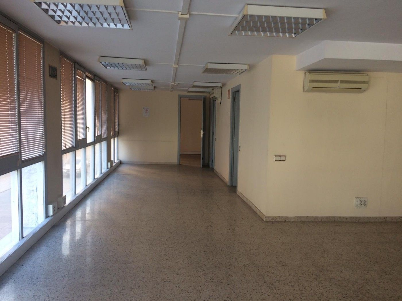 Rent Office space  Carrer pare gallissa