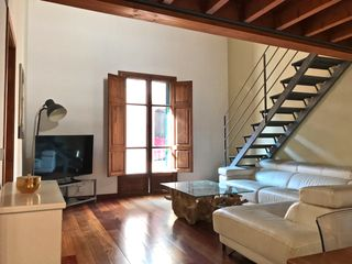 Duplex in Carrer Ample De La Merce