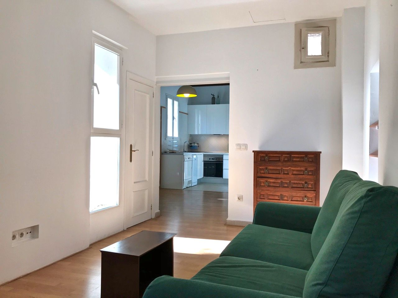 Rent Apartment  Carrer vi