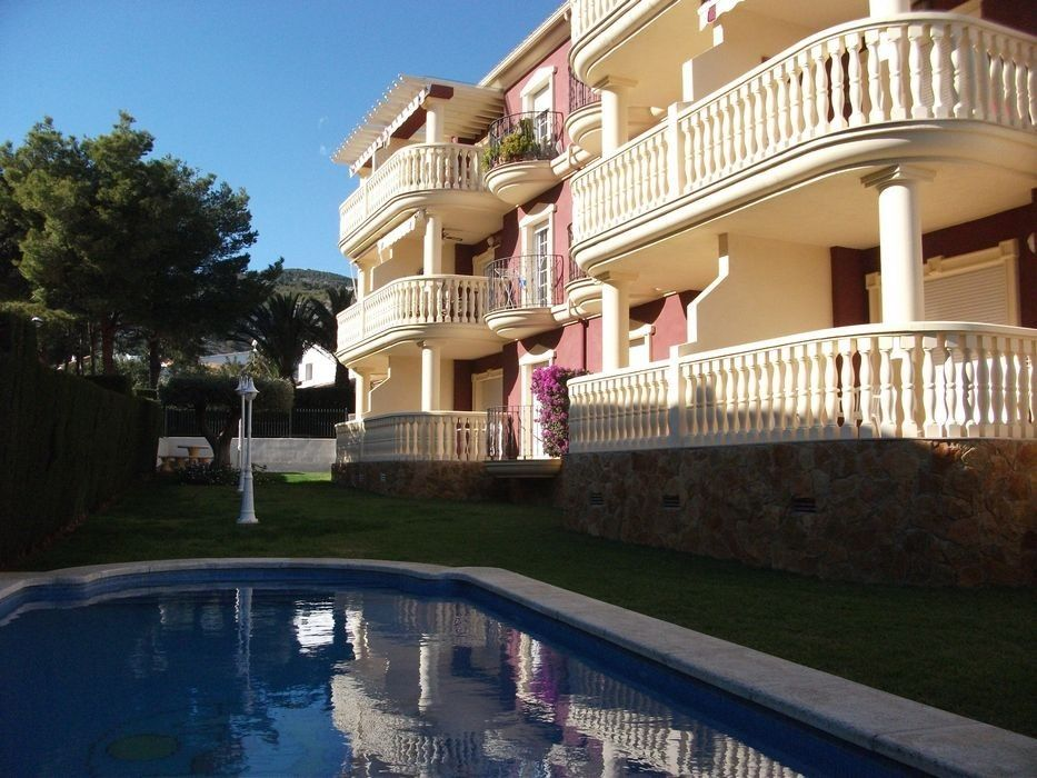 Appartement in Camino malentivet, 10. Con jardin y piscina