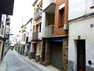 House in Carrer sant benet, 12. Casa al centre del poble