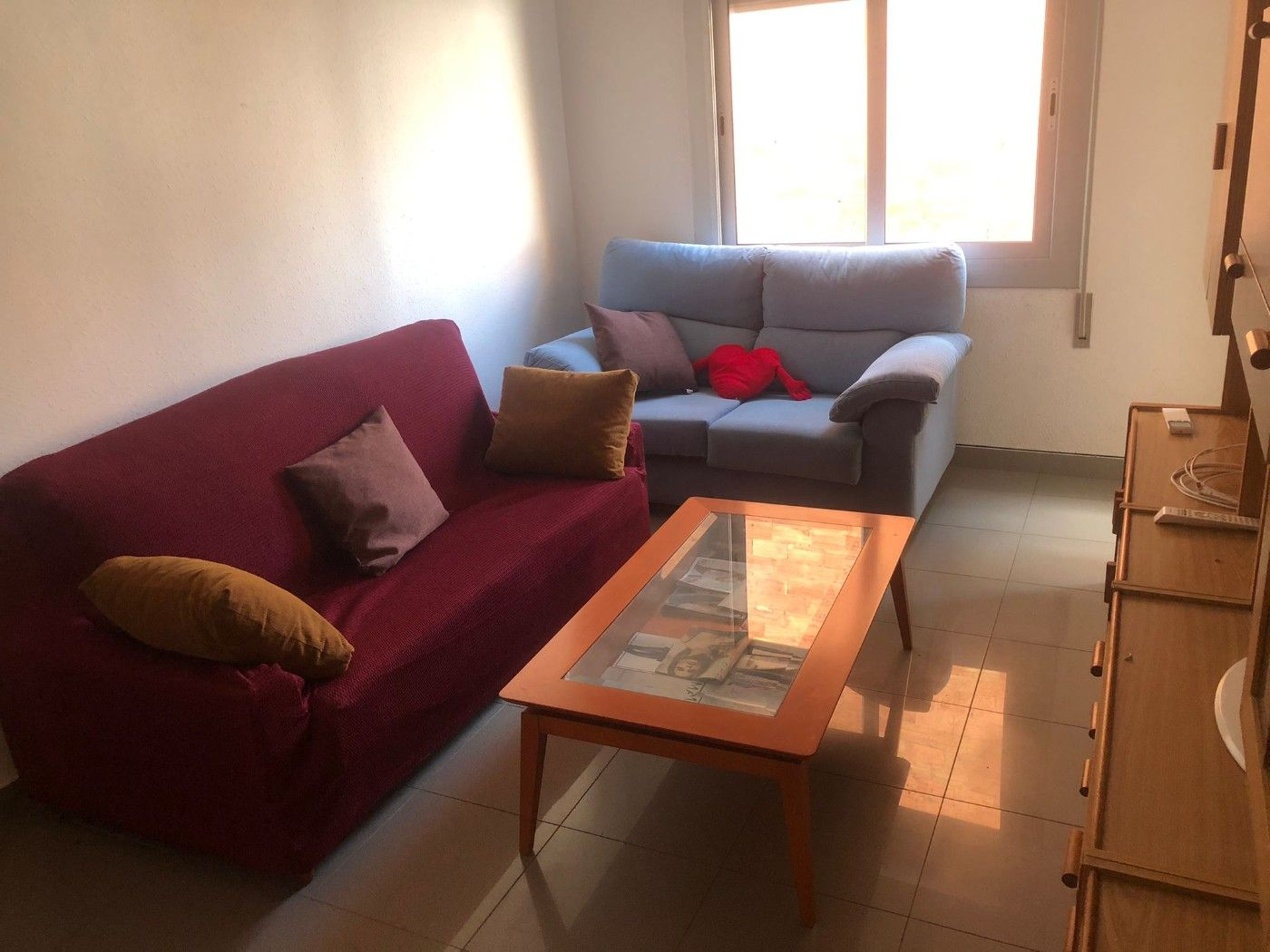 Location Appartement  Carrer miranda (la). Piso amueblado en z miranda