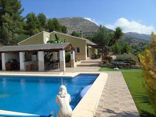Xalet en Partida turballos, 2. Chalet con piscina y jardines