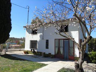 Xalet en Avenida ciutat de valencia, 2. Casa de pueblo con terreno