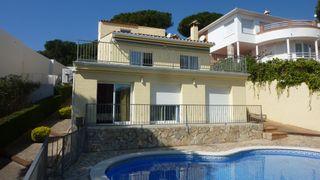 Casa  Carrer puig romani. Casa con vistas al mar