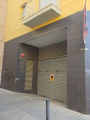 Parking coche en Carrer sant benet, 12. Plaza de parking céntrica. venta