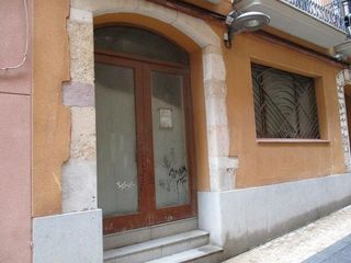 Business premise in Carrer esglesia de l´, 10. Valls. local aprox. 65m2