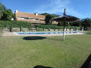 Rent Semi detached house in Carrer moret, 2. Vistas al mar zonas ajardinadas