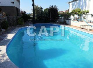 Casa a Lliçà de Vall. Casa con 6 habitaciones, parking y piscina