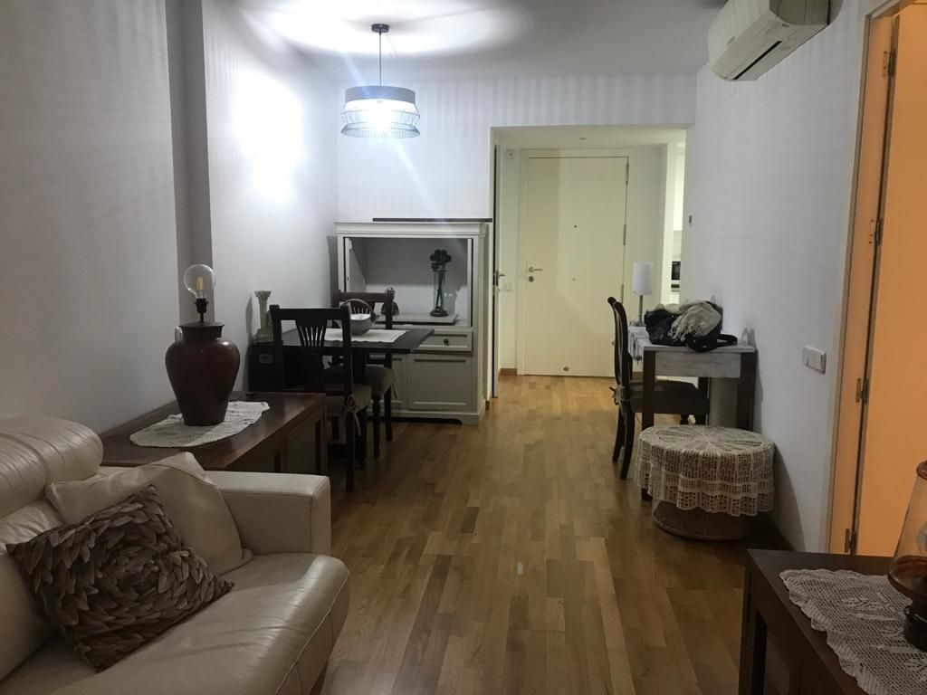 Rent Apartment  Carrer col.legi. Apartament las liras per entrar