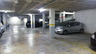 Parking coche en Carrer castella, 41. Plaza de parking en venta