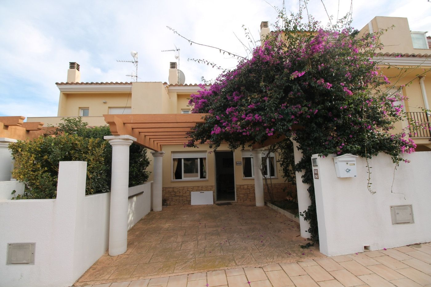 Semi detached house  Calle alacant. Adosado con gran terraza
