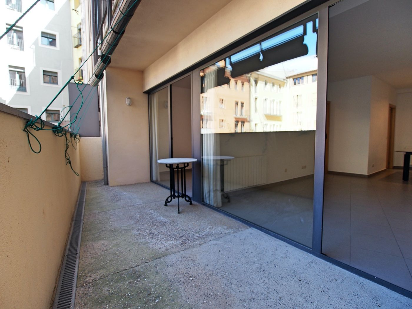 Miete Appartement in Centre-Barri Vell. Piso con terrazza y patio grande