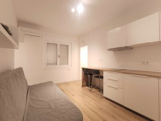Rent Studio in Gran via corts catalanes, 561. Reformado y amueblado