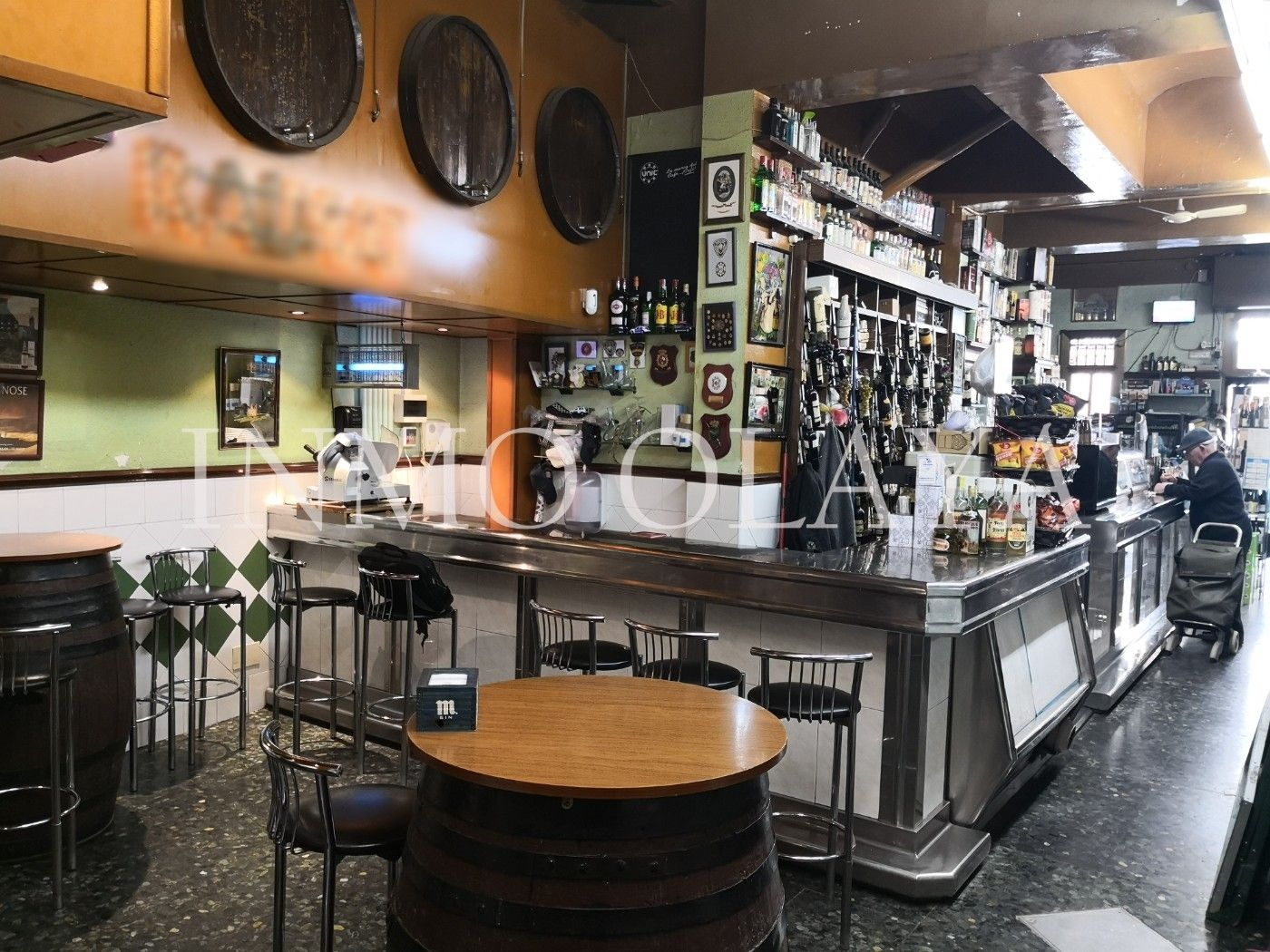 Bar  Guirnardó. Venta bodega bar con stock