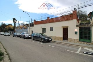 Ground floor  Can roure. Planta baja convertida vivienda!