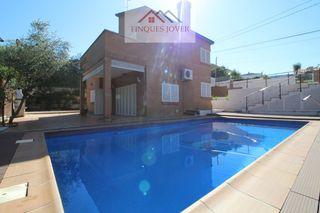 Casa  Ca l´artigues. Casa a 4 vientos con piscina!!!