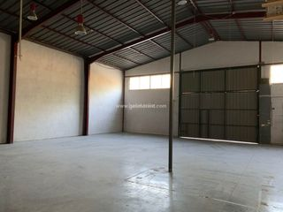 Rent Industrial building in Es Rafal Vell. Nave/local 500m2 aprox. en alquiler poligono son castelló