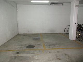 Rent Car parking  Carrer pau (la). 2 plazas juntas