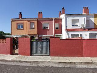Casa adosada  Rosalau. La casa más barata de lescala?