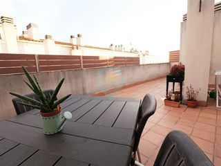 Attique à Carrer roser, 33. Con gran terraza y dos parkings