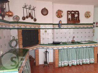 Casa  Casa sencera al mig poble. Reformat  i amb ascensor