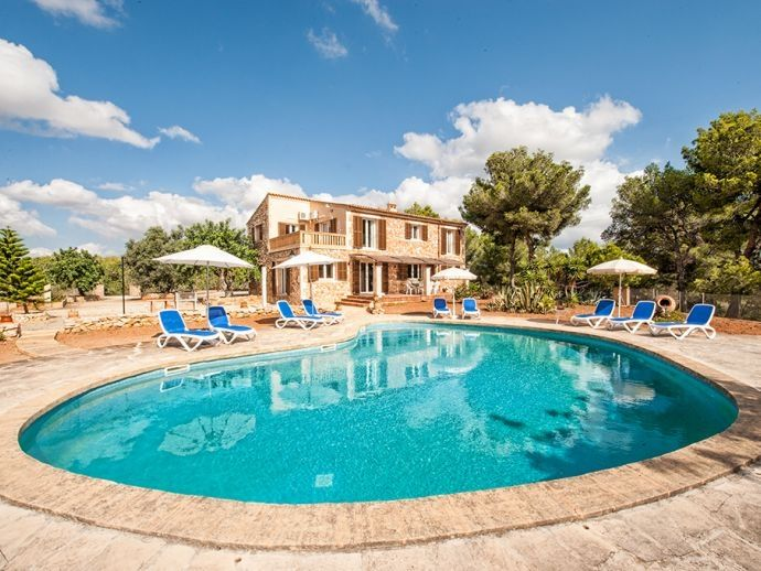 Rent House in Felanitx. Finca con piscina