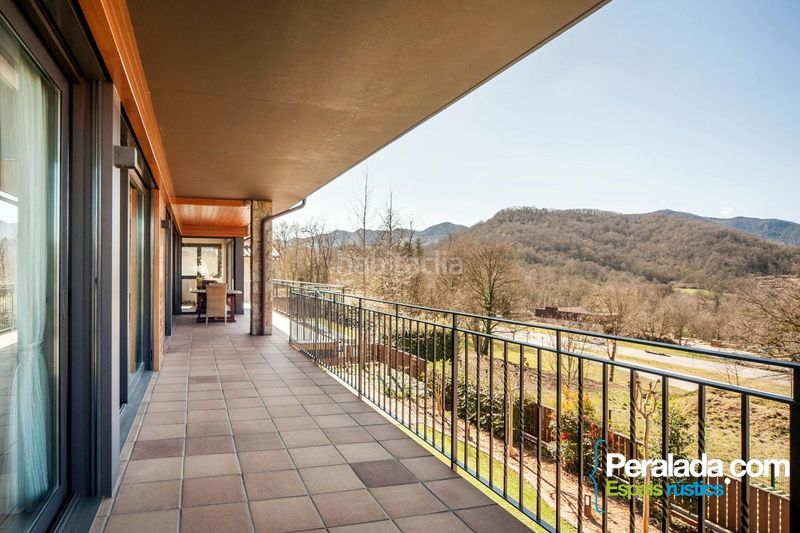 Terraza. House with fireplace parking in Olot
