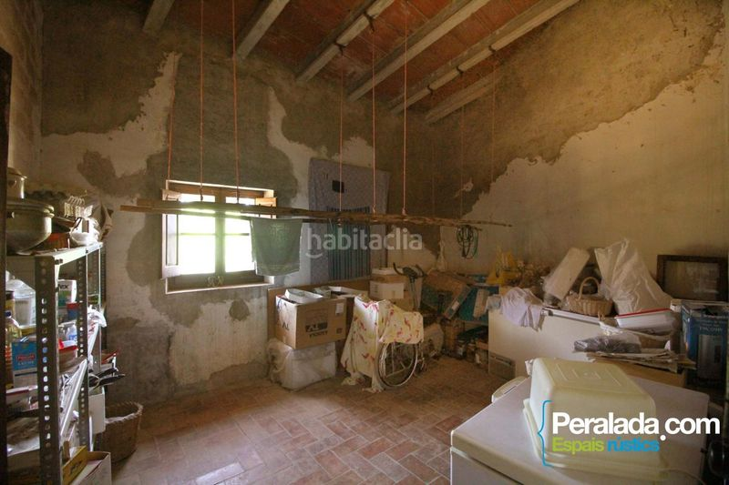 Dormitorio. Country house with fireplace parking in Vilademuls