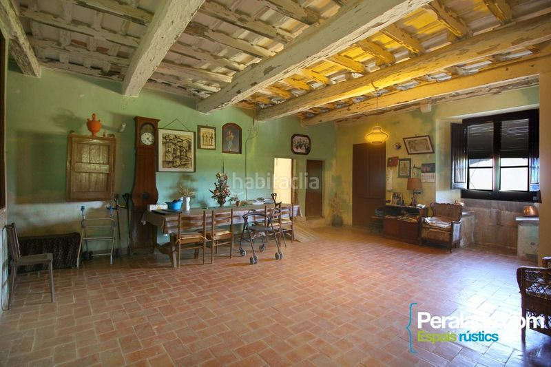 Salón. Country house with fireplace parking in Vilademuls
