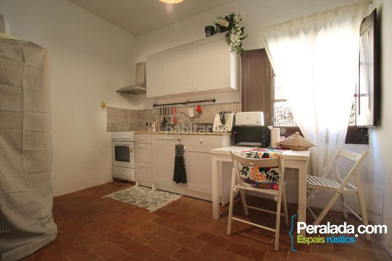 Cocina. House with fireplace heating parking in Mieres
