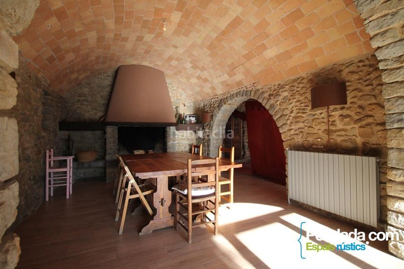 Comedor. House with fireplace heating parking in Mieres