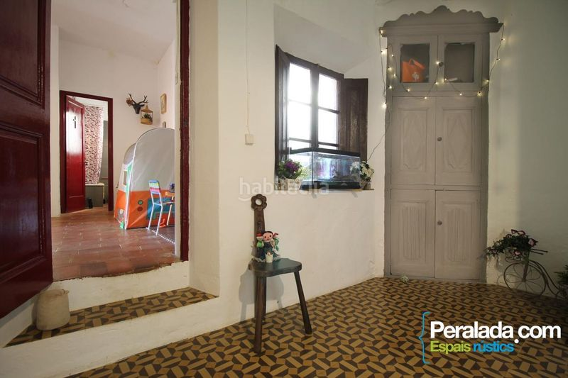 Dormitorio. House with fireplace heating parking in Mieres